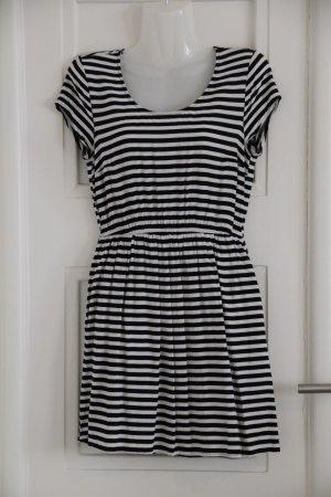 Blusenkleid mit schwarz-weißen Streifen und Reißverschluss hinten