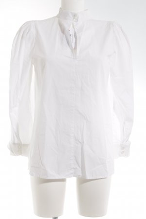 Colletto camicia bianco stile professionale