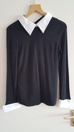 blusenpullover in grau mit weissem kragen und perlen von mango