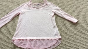 blusenshirt rosa mit spitze Gr. 38 süß von Janina