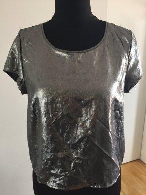 Blusentop mit Knopfleiste im Rücken, Metallic-Trend