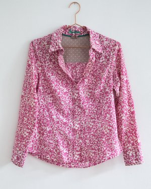 Boden / floral gemusterte Bluse