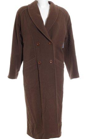bodenlanger Mantel braun klassischer Stil