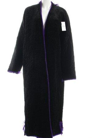bodenlanger Mantel schwarz extravaganter Stil
