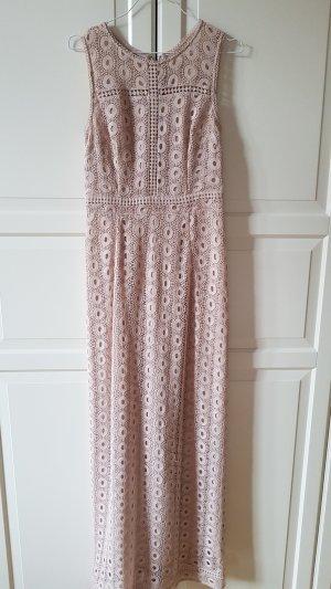 Bodenlanges Kleid in blassrosa mit Lochmuster