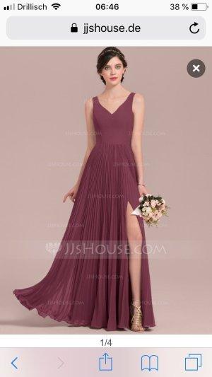 Bodenlanges Kleid mit Beinschlitz