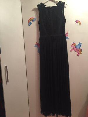 Bodenlanges Kleid mit einer Tülllage