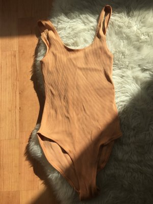 Body in toller Apricotfarbe - Stoff aus Stretch