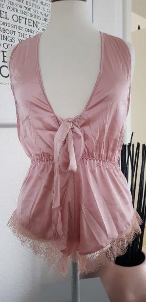 Lingerie dusky pink