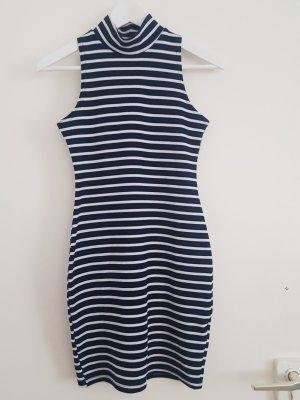 Bodycon-Kleid mit Rollkragen von Boohoo, Größe 36/38