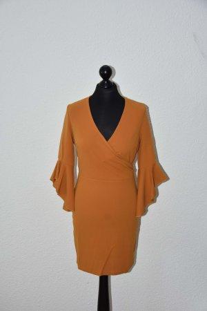 Bodycon Kleid mit Rüschenärmel