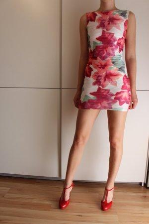 Bodycon-Minikleid mit sommerlichem Blumenmuster