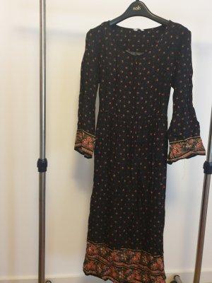 Böhemisches Kleid mit Blüten