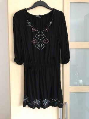 Boho Kleid mit bunter Stickerei