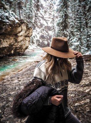 Cappello di lana marrone Tessuto misto