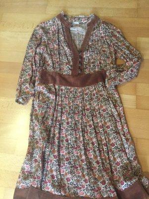 Boho-Style Kleid, Stradivarius, Gr. S, schönes Muster
