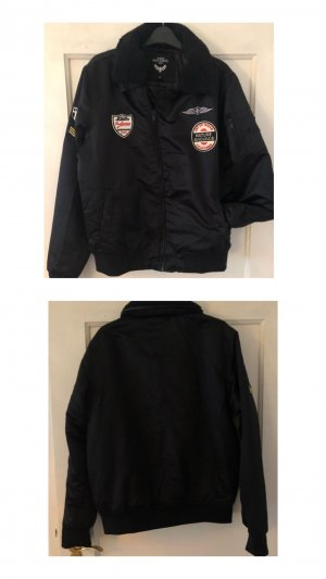 Bomberjacke mit Patches