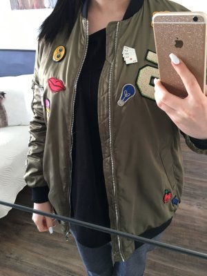 Bomberjacke ZARA mit Patches