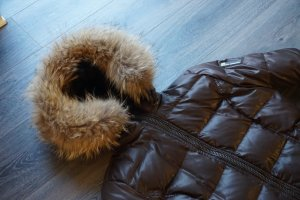 Bomboogie Abrigo de plumón marrón oscuro