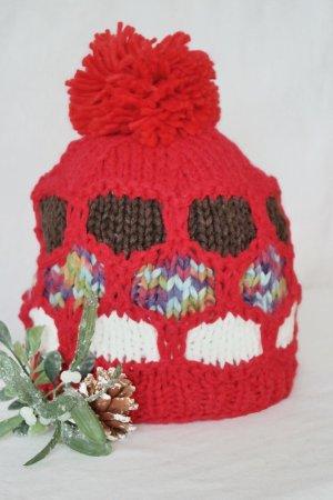 Bommel Beanie Mütze handmade