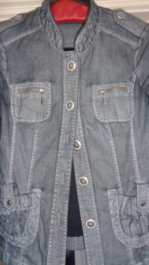 Bonita wunderschöne Sommerjacke-Jeansjacke mit vielen Details gr.40
