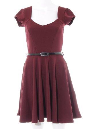 Boohoo A-Linien Kleid bordeauxrot Elegant