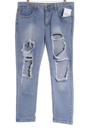 Boohoo Boyfriendjeans kornblumenblau Street-Fashion-Look