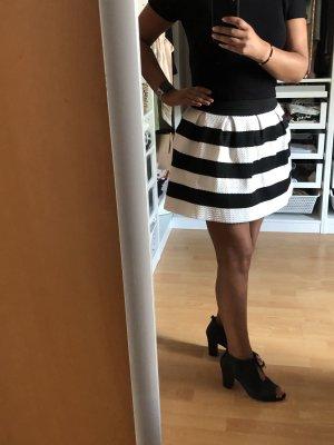 Boohoo Flared Skirt white-black