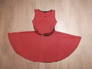 BOOHOO Kleid rockabilly Kleid rot schwarz mit Gürtel Gr. 36 TOPZUSTAND