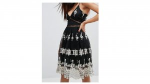 Boohoo kurzes Kleid mit  Metallic-Spitze NEU