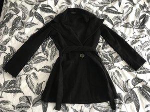 Boohoo Abrigo corto negro