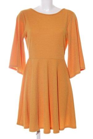 Boohoo Abito elasticizzato arancione chiaro elegante