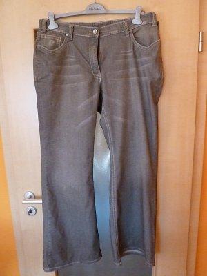 Bootcut-Jeans in grau-braun mit schöner, heller Waschung - neu! - Ulla Popken