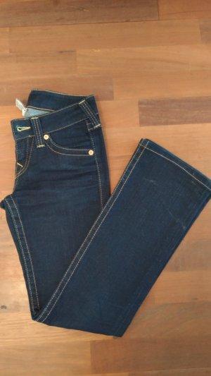 Bootcut-Jeans in tiefem dunkelblau