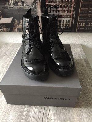 Booties aus Lackleder vom Label Vagabond