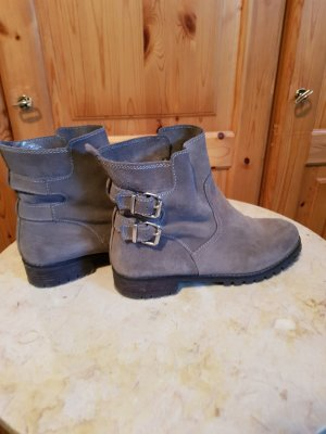 booties in beige grau