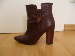 Booties in Bordeaux von Mango