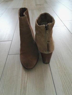 Booties camel leather