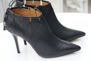 Booties von Badgley Mischka