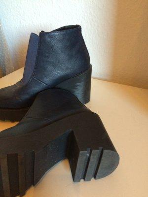 Boots Blau Lederimitat