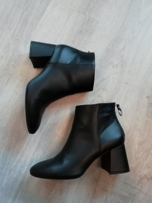 Boots Booties Ankles Stiefelette 40