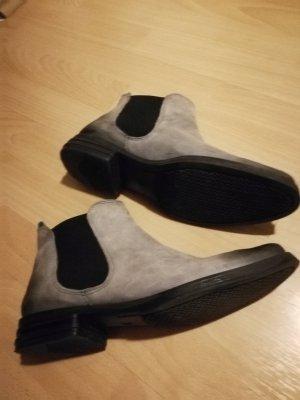 Boots Chelsea Boots 39 Marke Fith Avenue grau