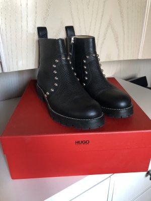 Boots HUGO schwarz mit Nieten