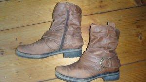 Boots in hellem Braun