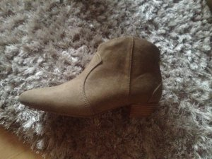 Boots in Isabel Marant Style