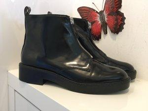 Boots in schwarz von Zara