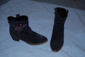 Boots in Wildleder dunkelblau mit Stickerei Gr. 38 von Görtz Shoes