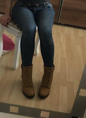 Boots mit Absätzen (Timberland look)