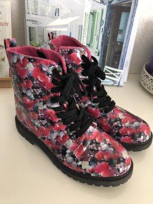 Boots mit Blumenmuster