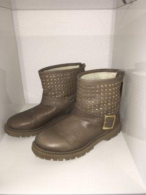 Boots mit Lammfell